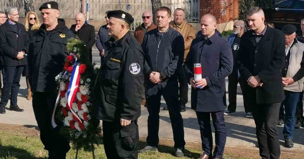 HSP u Vinkovcima sudjelovao na obilježavanju tužne obljetnice HOS-a