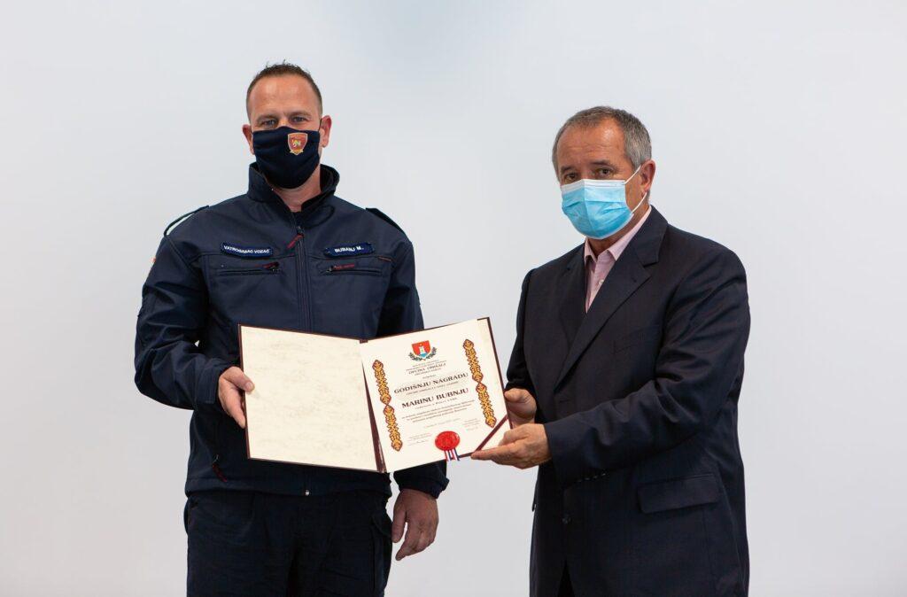 Marin Bubanj primio godišnju nagradu Općine Omišalj